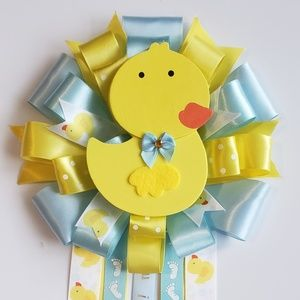 Rubber ducky baby shower corsage/mom to be mu